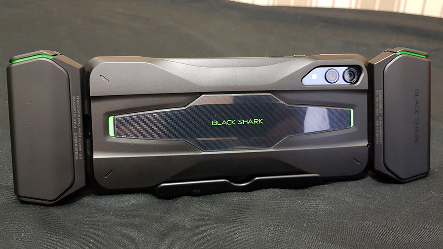 Black Shark 2 controllers: One step ahead, or a touch behind