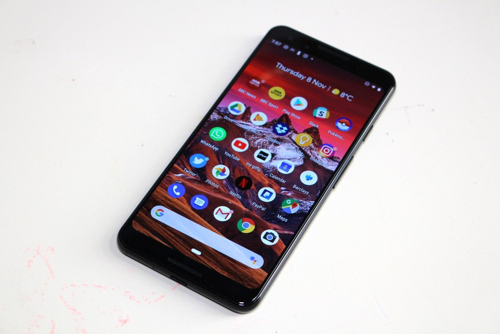 Google Pixel 3 review screenshot - A full view of the front of the phone