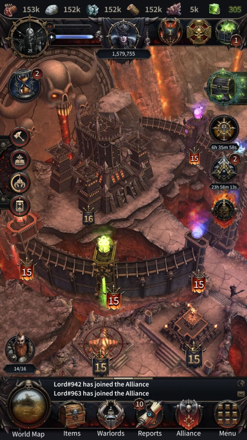 Warhammer Chaos and Conquest iOS screenshot - Fighting over a castle