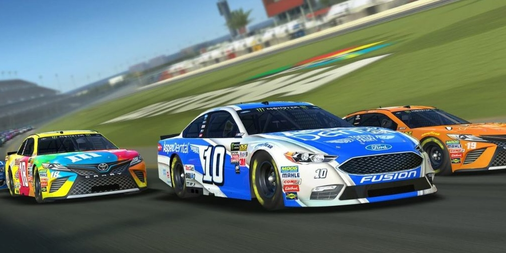 Real Racing 3 hacks and how to recognize a hacker