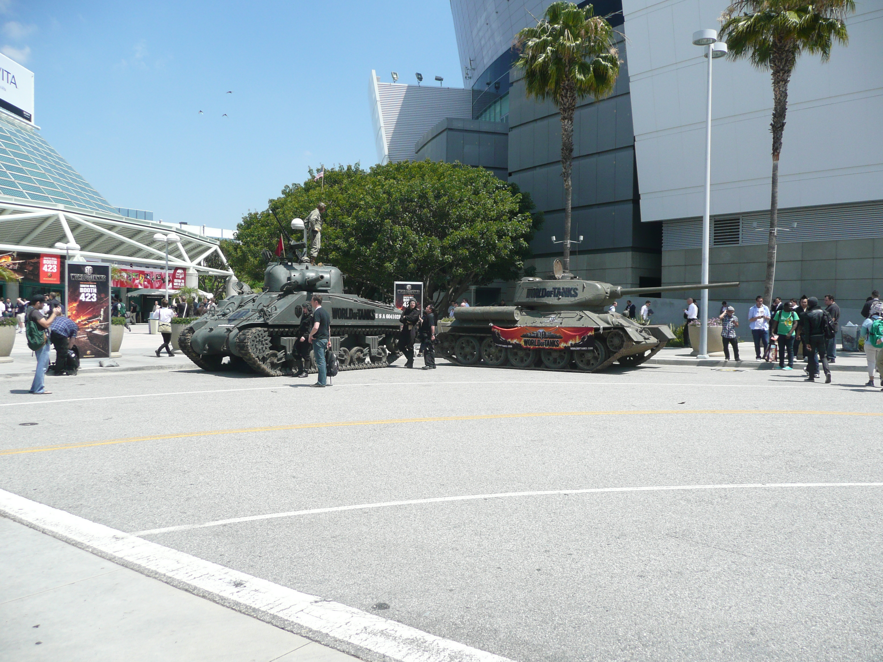 Day two at E3 2011: 3DS announcements, Minecraft Pocket Edition, FIFA 12, Heroes of Ruin, and the omnipresent PS Vita