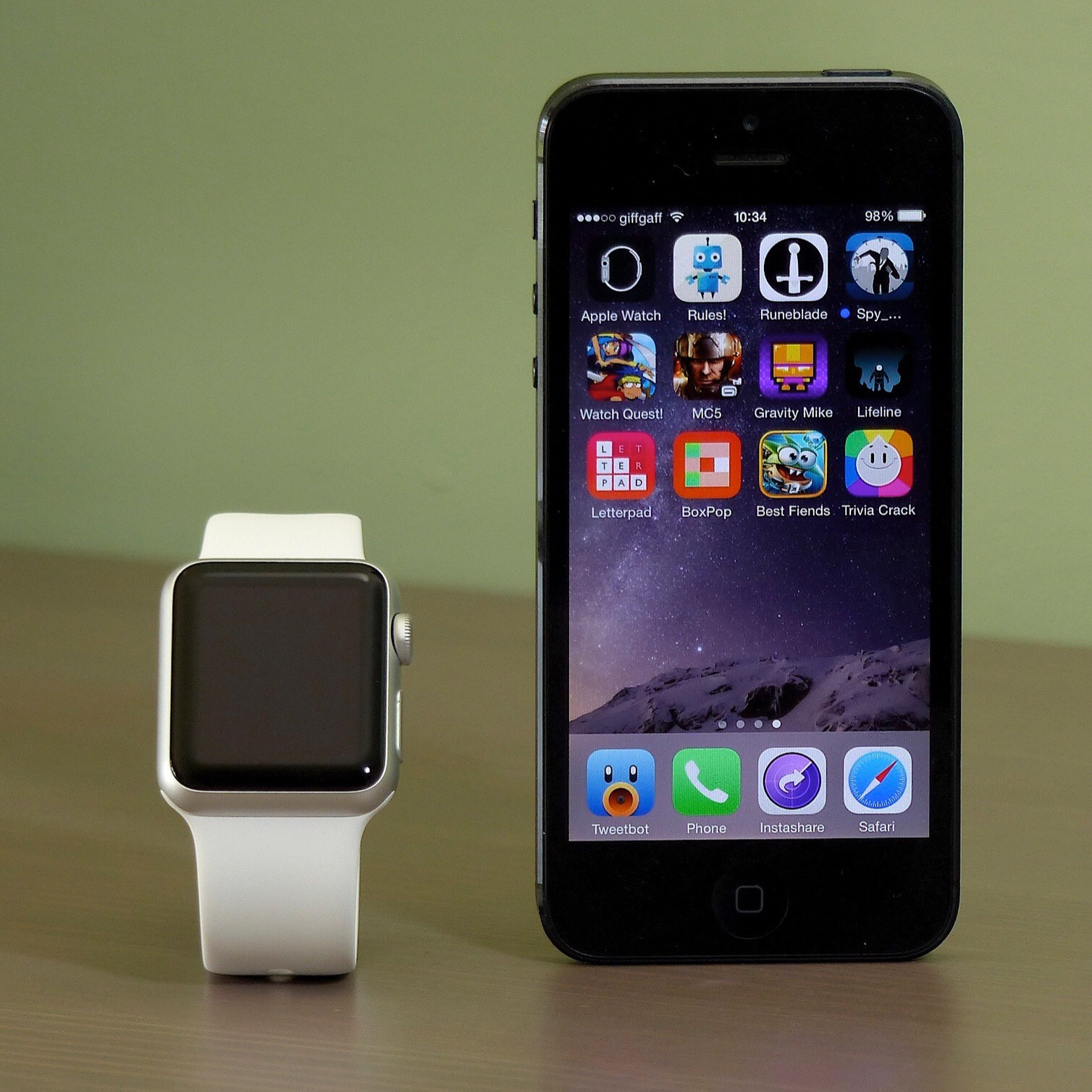 Unboxing the Apple Watch Sport Edition