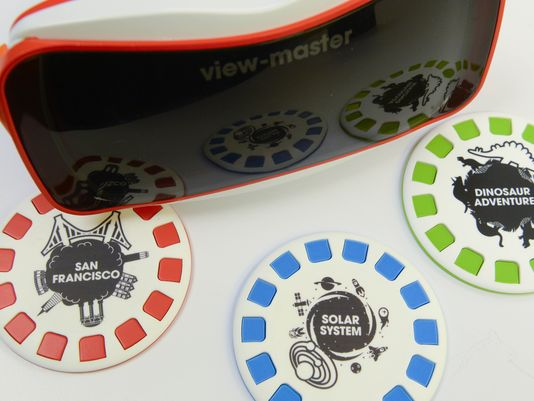 Classic 3D photo viewer the View-Master brought back to life using VR