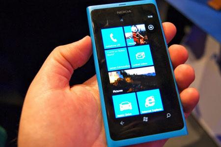 Hands-on with Nokia's premium Windows Phone device - Lumia 800