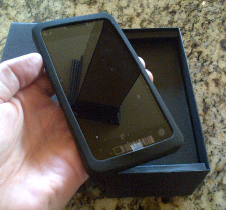 Unboxing BlackBerry 10 Dev Alpha