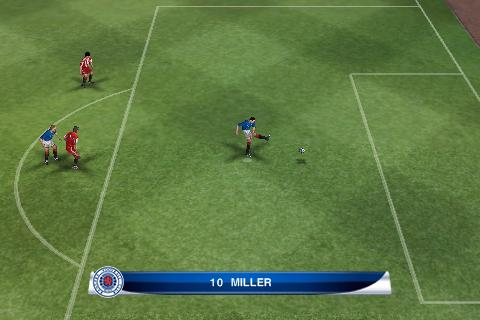 PES 2011 kicks off in the Xperia Play stadium