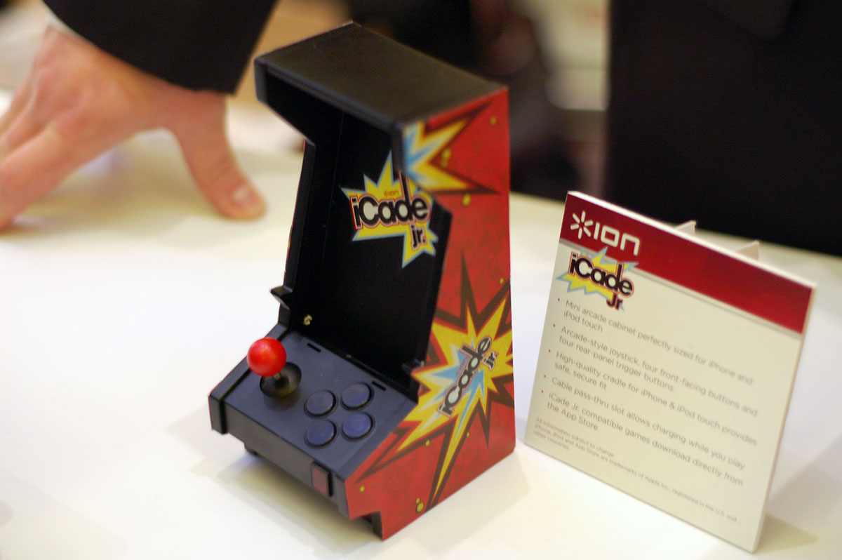 CES 2012: Ion Audio takes wraps off 3 new iCade gaming controllers